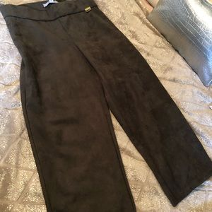 NWT  Andrew Marc Hunter Green Suede pants